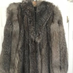 Jackets & Coats - Real silver fox fur new size 16-18